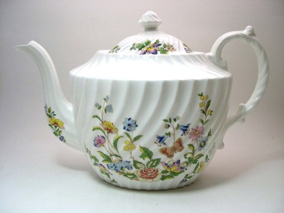 Aynsley Cottage Garden Teapot With Lid English Light Ivory