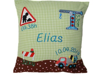 Pillow with request name and born data (DK02)