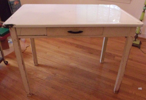 Enamel top kitchen table from the 193039s for 1930 kitchen table