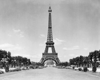 Eiffel Tower and park, Paris, France ca. 1909 -Photo Print