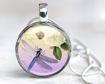Glass Pendant Dragonfly Gifts - Dragonfly Necklace - Dragonfly Jewellery (DGD4)