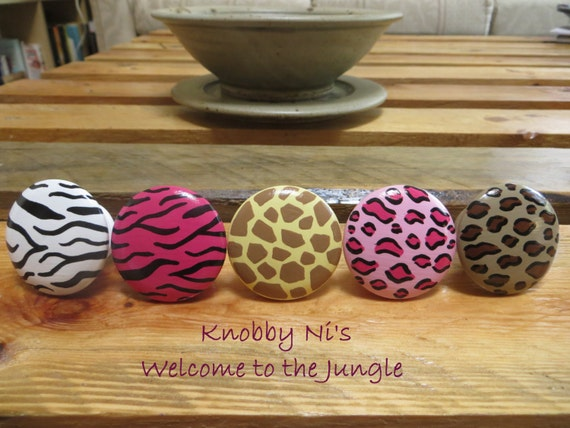 animal print hand painted drawer knobs dresser pulls welcome to the jungle giraffe print. Black Bedroom Furniture Sets. Home Design Ideas
