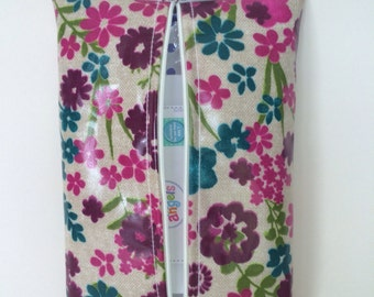 Baby wipes Wipes holder Case handmade in pink flowered oilcloth