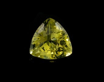 Lemon Quartz Trillion Shape 14mm Approx. 7 Carat, Lemon-Yellow Variety Of Color with Greenish Tone, Beautiful Green-Gold-Lemon color (8551)