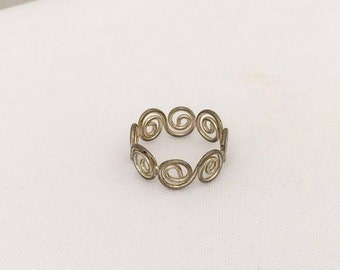Vintage Sterling Silver Swirly Band Ring Size 8