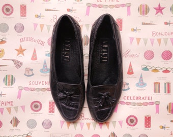 vintage black leather loafers with tassels size 7