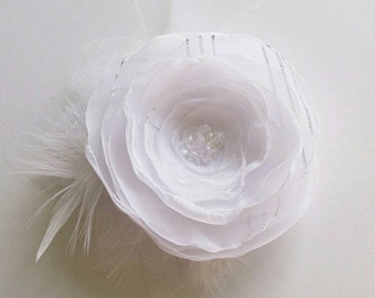 White flower hair clip Flower with feathers Flower for hair Bridal hair accessory