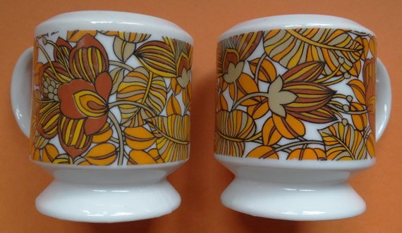 Funky 1970s Brown Orange Salt And Pepper Shakers Made Of