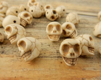 White Sugar Skull Beads, 12mm, Ivory Skull Beads, Carved Howlite Skull Beads, Qty 15, Faux Turquoise, Great Day of the Dead Halloween Beads