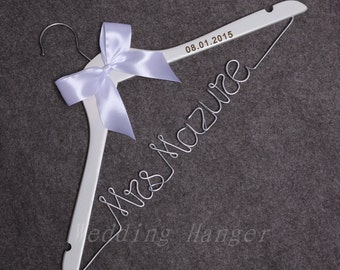 Personalized Bridal Wedding Hanger, Custom Name hanger, Bride Wedding Hangers, Custom Wire Hanger,Silver Plated Wire,Bridesmaid dress hanger