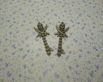 8 pcs of antique bronze color metal skull key pendant charm , 60*22mm , MP649