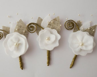Rustic Boutonniere, White Corsage Buttonhole for groom Groomsmen, wedding boutineers, Men Boutonniere, White boutonniere, felt boutonniere