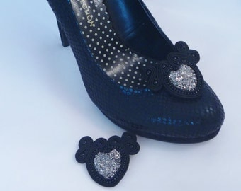 Soutache shoe clips. Black and sparkling shoe accessories. Heart shaped shoe clips from MollyG Designs. Alternative wedding accessories.