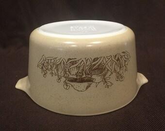 Vintage Pyrex Forest Fancy 473 round casserole.