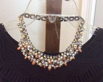 Dramatic impact bib collar necklace