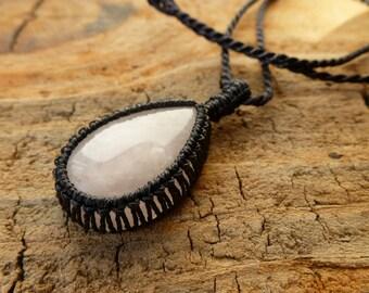 Rose Quartz Necklace / Macramé Necklace / Pink Stone Pendant