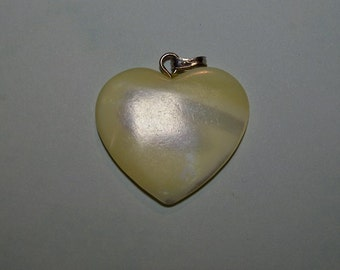 Vintage Mother of Pearl Heart Pendant with Silver bail (1060291)