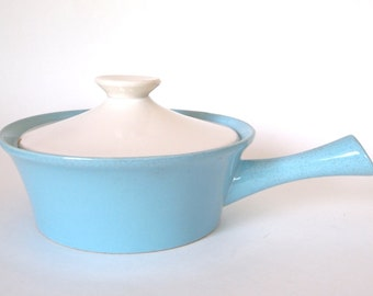 Vintage Turquoise Blue Pot Casserole Dish with Lid Oven Proof Pottery Stoneware Made in USA - Mid Century Modern Kitchen Serving 1960s