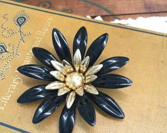 Large White and Gold Flower Brooch Sarah Coventry