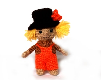 crochet SCARECROW, miniature scarecrow doll, amigurumi scarecrow, cute scarecrow plushie, stuffed scarecrow, great gift for Halloween