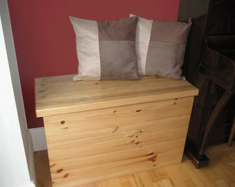 Chunky Top Pine Storage Chest