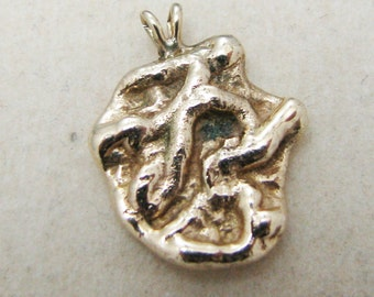 Beautiful 14k Yellow Gold Nugget Pendant