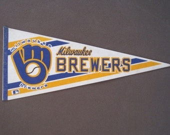 Vintage Milwaukee Brewers MLB Baseball Pennant