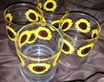A Set of 4 Short Sun Flower Design Tumblers / Drinking Glasses