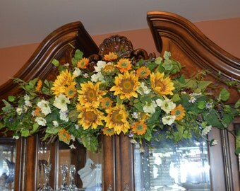 Wedding Arch, Sunflower Wedding Arch, Sunflower Wedding Swag, Archway Swag, Wedding Arch swag, Wedding Archway Swag, Rustic Arch swag,