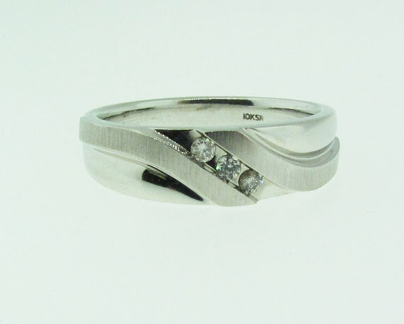 White gold and diamond Men's wedding band