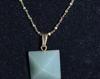 Vintage,Natural Aventurine Pyramid Necklace  (1050013)