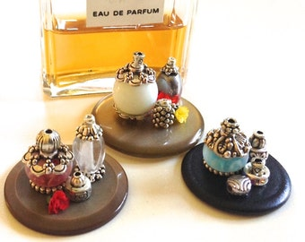 Miniature lady's vanity set, 1/12 scale, handmade/ miniature decor/ doll house decor/ miniature perfume/ doll house perfume/ mini gift