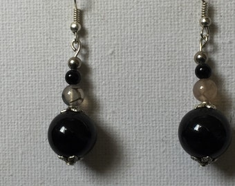 Onyx bead Earrings