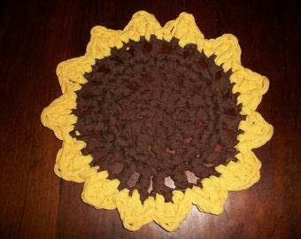 "Sunflower rug/hot pad 18"" dia."