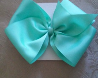 Mint Green Hairbow