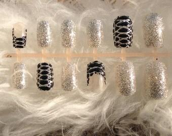 Press on nails,fake nails, false nails,Black nails, glitter,snakeskin nails,3d nails,gel nails,short nails,nail art,dopenailart