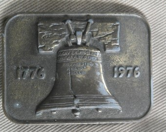 Vntg 1976 USA Bicentennial Brass Belt Buckle with Liberty Bell Relief