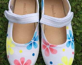Floral Mary Jane shoes