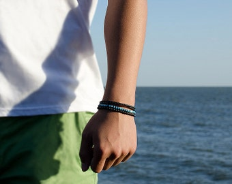 Mens beaded bracelets - Mens bracelets beads with small beads and silver plated bead. 14 colors!