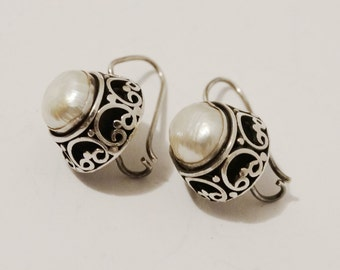 Vintage Sterling Genuine Pearl Filigree Earrings. Free Shipping.