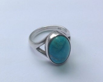 Vintage turquoise and sterling silver ring.