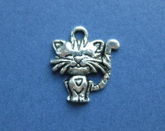 10 Cat Charm -Cat Pendant - Kitten Charm - Antique Silver- 18mm x 18mm -- (No.73-10772)