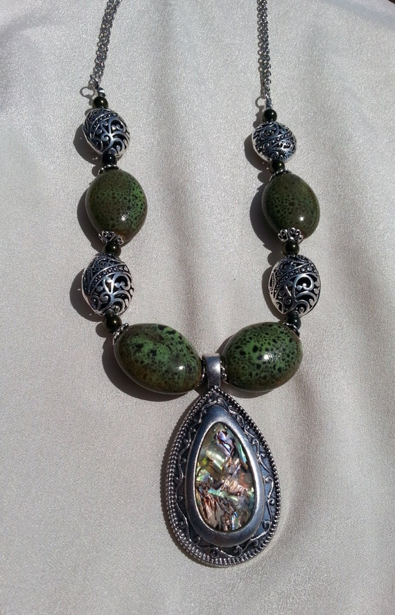 olive green necklace with pearlized pendant by