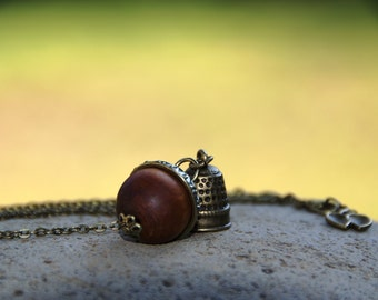 Peter Wendy Kiss Necklace, Acorn and Thimble Necklace, Peter Wendy Darling, Acorn Thimble Keychain, Peter Pan Necklace, Key Chain Ring