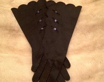 Vintage Navy Blue Scalloped Gloves