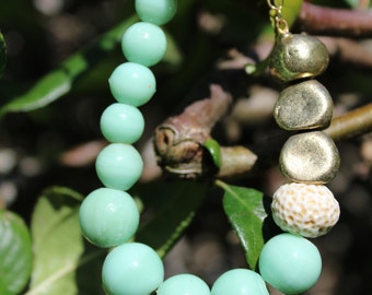 Sea pebbles green and gold bead bracelet