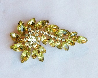 Joyful Jonquil! Vintage Yellow Rhinestone Swirl, Spray, or Feather Brooch! Designer Tiered & Angled Marquis Navette Glass Crystal Stones Pin