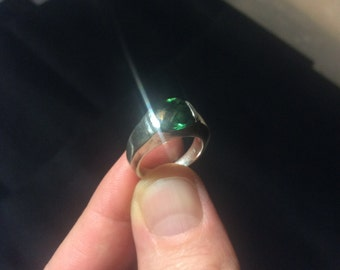Emerald and sterling silver ring size 6