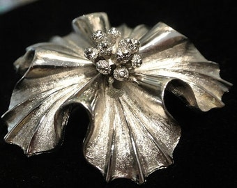 Vintage CORO Brooch Poinsettia Flower Floral 1940s Antique Brooch Early Coro Silver Brushed Rhodium Plated PlateTextured High Polish Shine