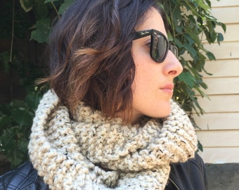 Super Chunky Knit Infinity Scarf - Oatmeal